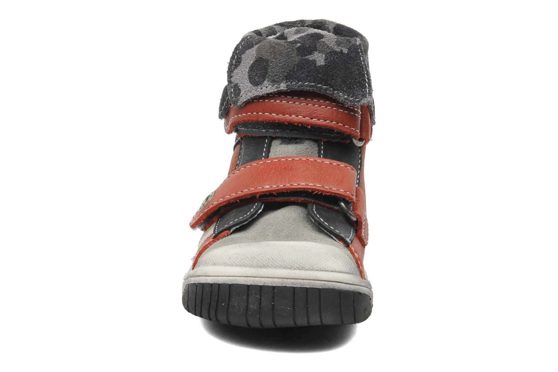Chaussures à scratch Babybotte ARTIZOU Rouge vue portées chaussures