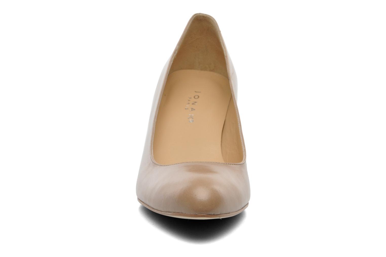 Escarpins Jonak Issine Beige vue portées chaussures