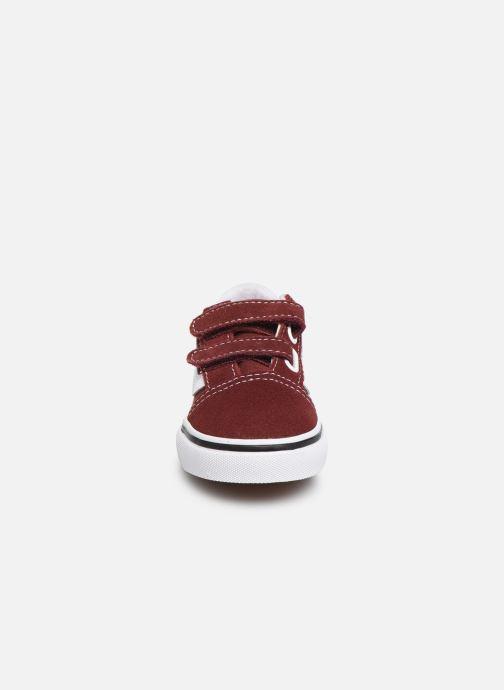 Sneakers Vans Old Skool V BB Bordò modello indossato