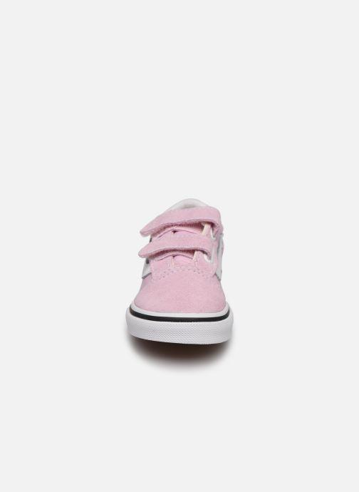 Baskets Vans Old Skool V BB Rose vue portées chaussures