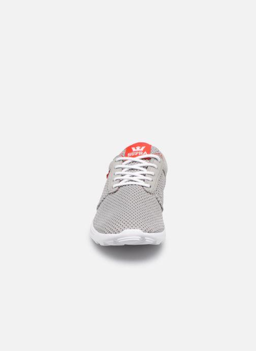 Baskets Supra Hammer Run Gris vue portées chaussures