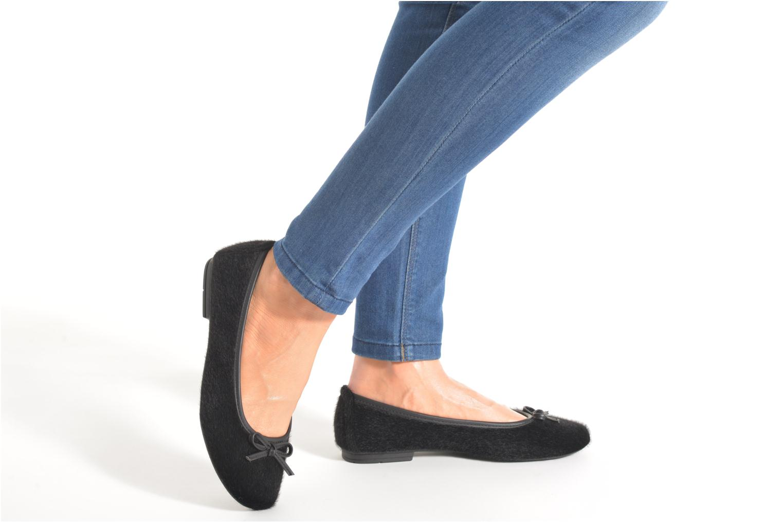 Ballerines Jana shoes Lila Noir vue bas / vue portée sac