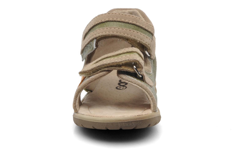 Sandales et nu-pieds Mod8 ILUX Vert vue portées chaussures
