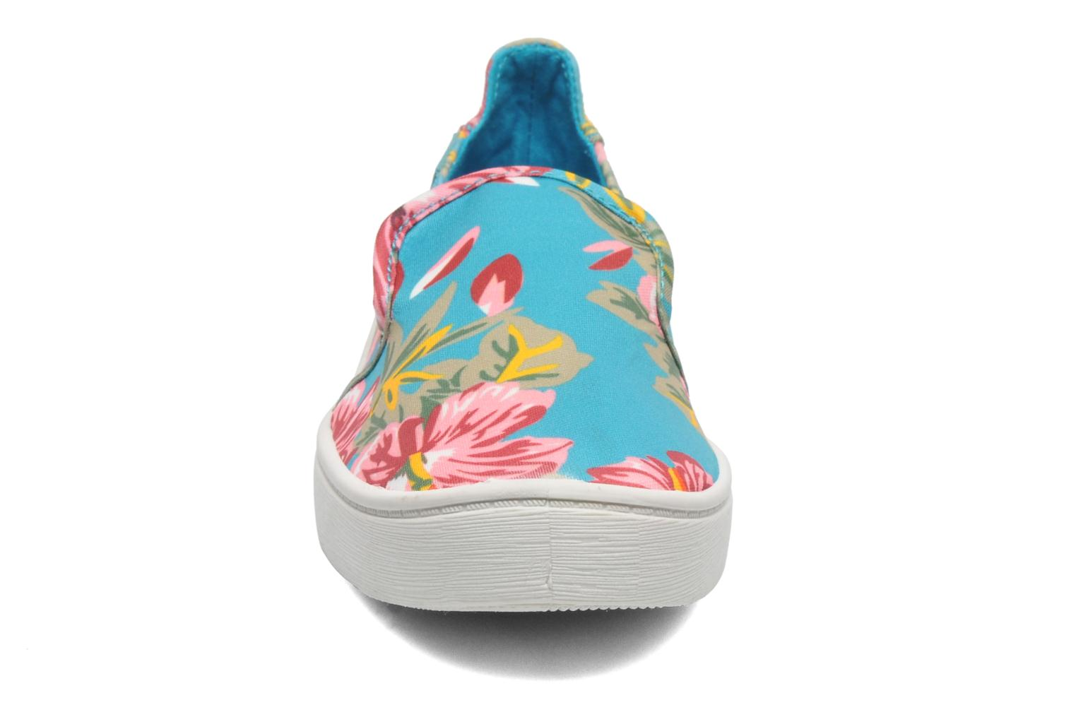 Sneakers Blowfish Vasa Multicolore modello indossato