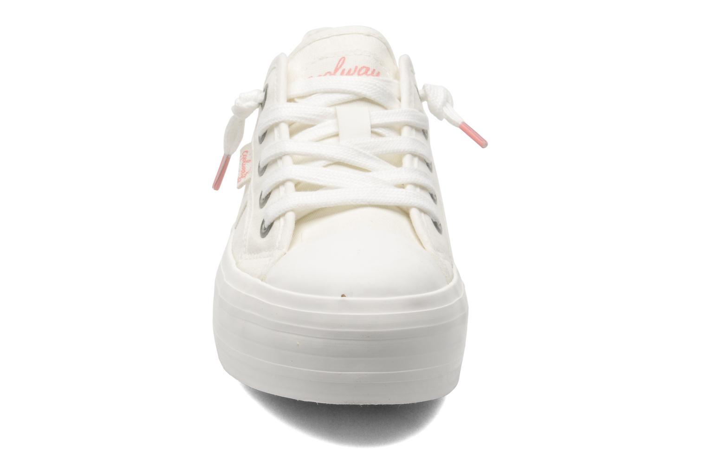 Sneakers Coolway Daniela Wit model