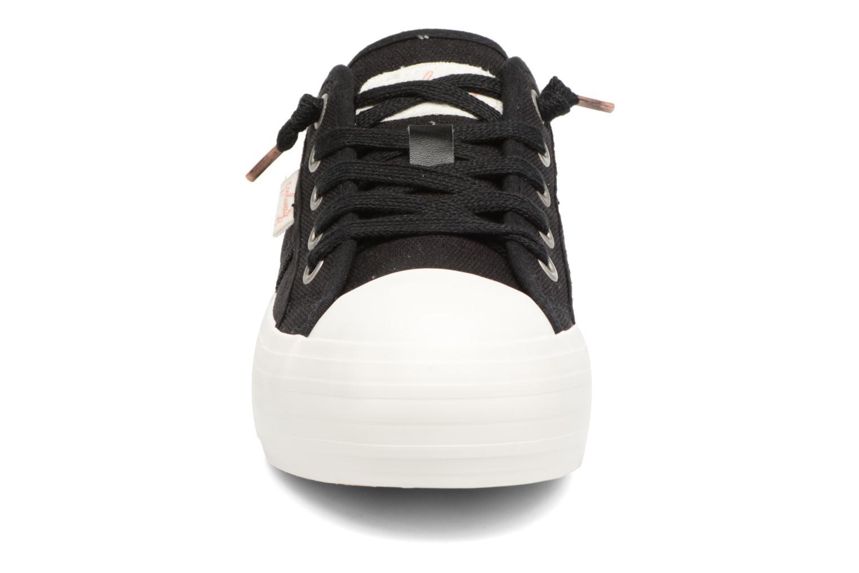 Sneakers Coolway Daniela Nero modello indossato