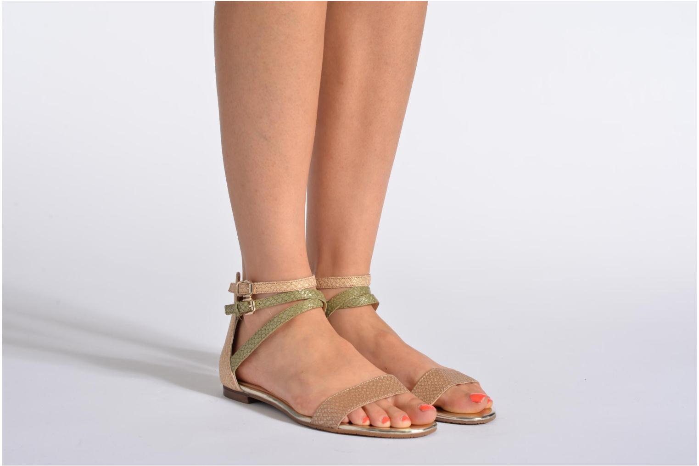 Sandales et nu-pieds Guess Jill Or et bronze vue bas / vue portée sac