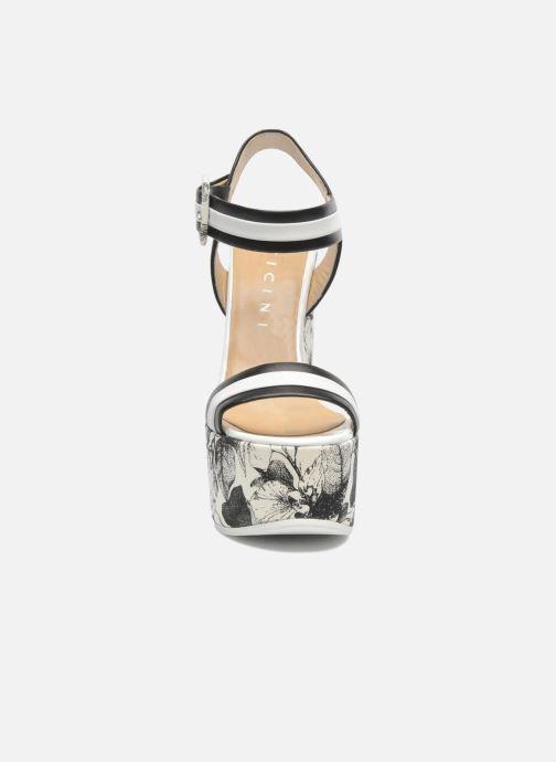 Sandaler Vicini Safine Svart bild av skorna på