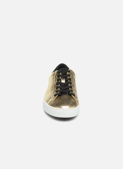 Sneakers Michael Michael Kors Irving Lace Up Oro e bronzo modello indossato