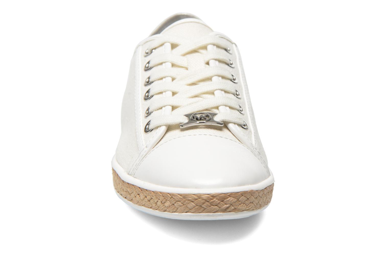 Sneakers Michael Michael Kors Kristy slide Argento modello indossato