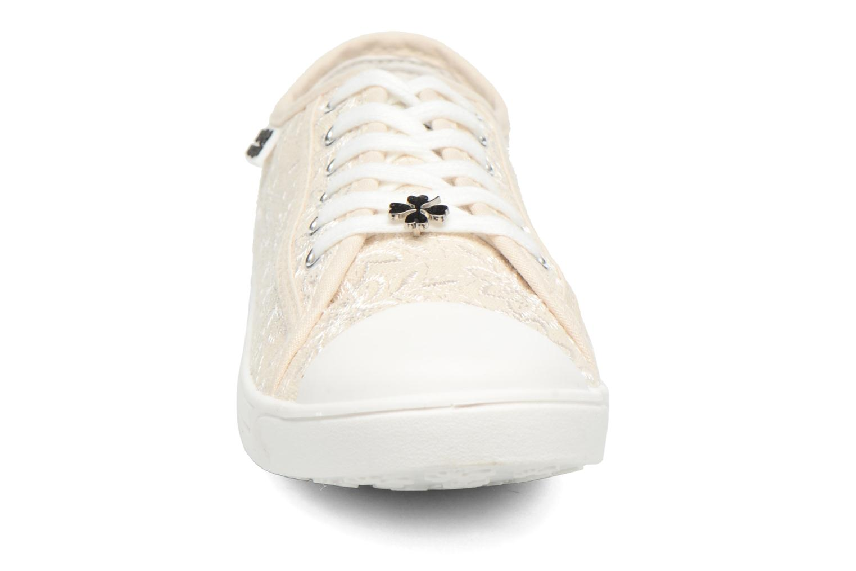Baskets Molly Bracken Derby signature Beige vue portées chaussures