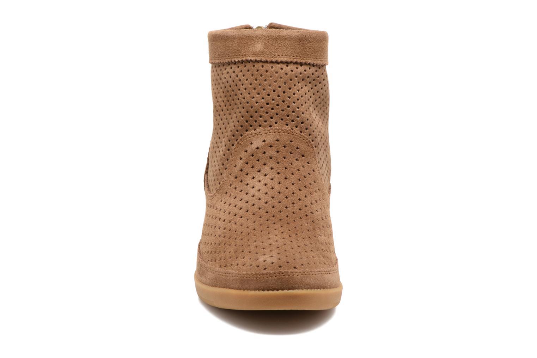Bottines et boots Shoe the bear Emmy Beige vue portées chaussures