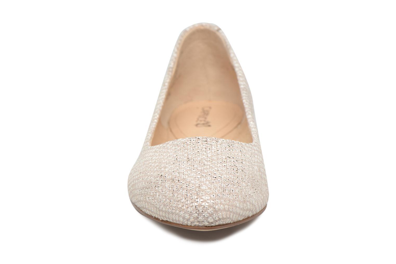 Ballerines Caprice Vinyle Or et bronze vue portées chaussures