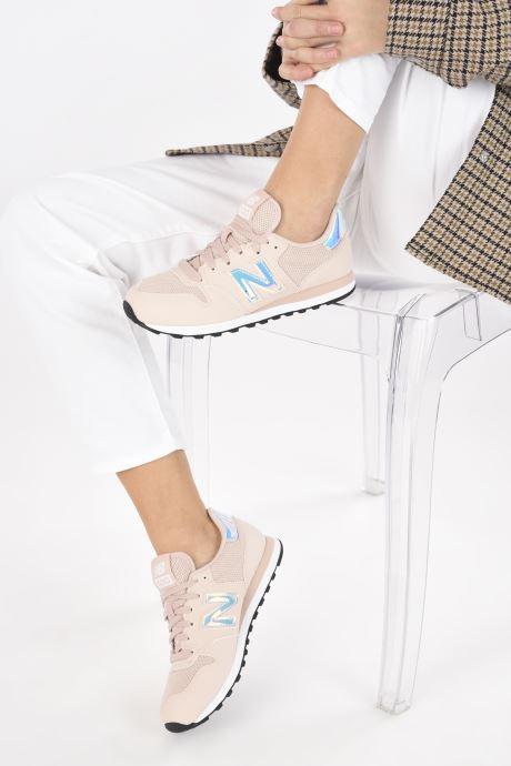 Sneaker New Balance GW500 rosa ansicht von unten / tasche getragen