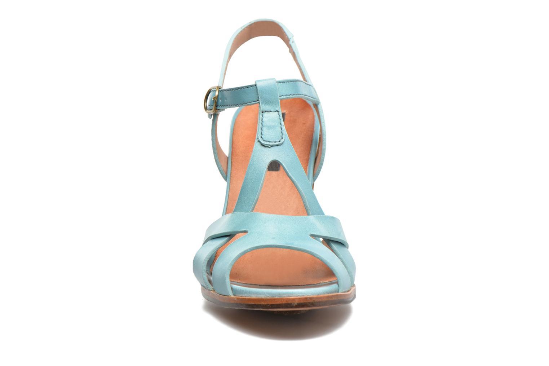Sandalias Neosens Gloria 193 Azul vista del modelo