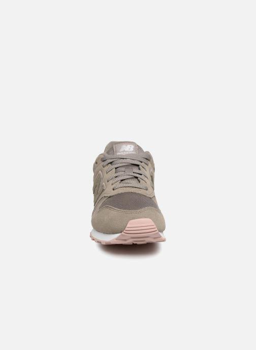 Baskets New Balance WL373 Vert vue portées chaussures