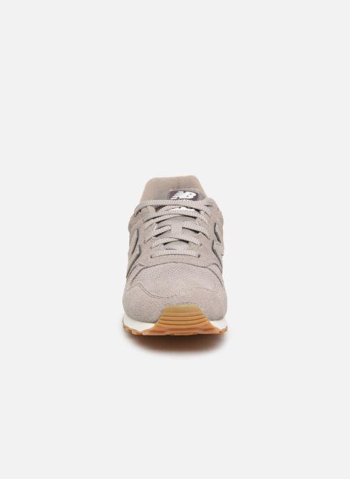 Baskets New Balance WL373 Gris vue portées chaussures