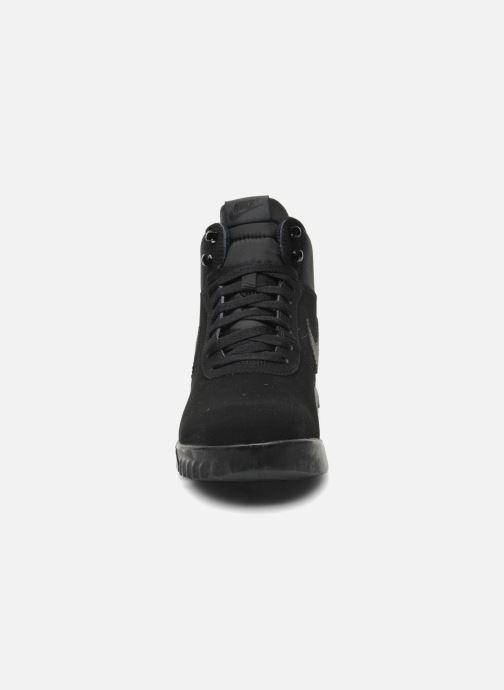 Sneaker Nike Nike Hoodland Suede schwarz schuhe getragen