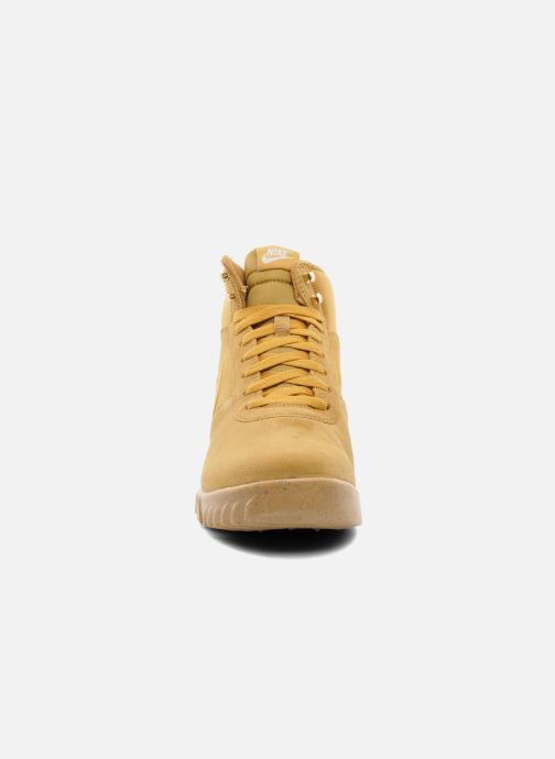 Nike Nike Hoodland Suede (Beige) Baskets chez Sarenza (207428)