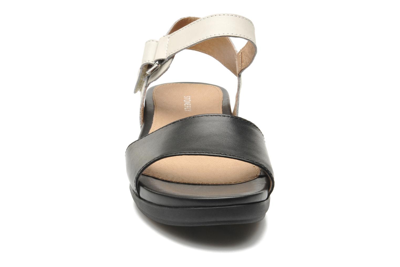 Sandales et nu-pieds Stonefly Eve I Noir vue portées chaussures