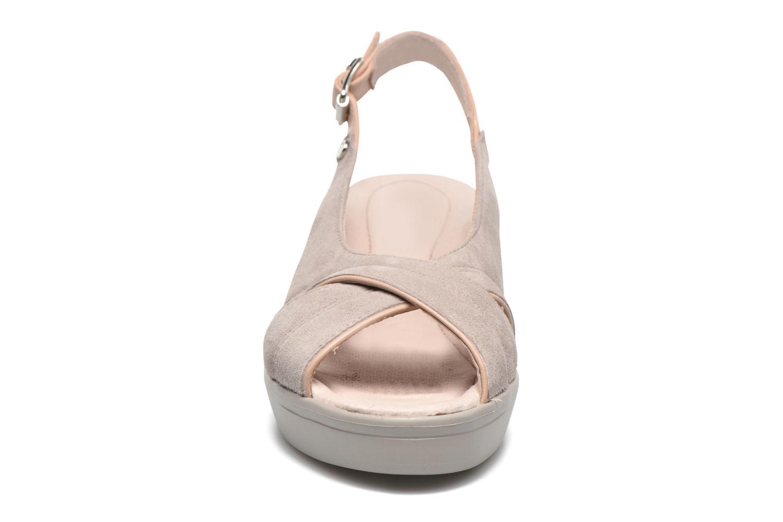 Sandales et nu-pieds Stonefly Tess 3 Beige vue portées chaussures