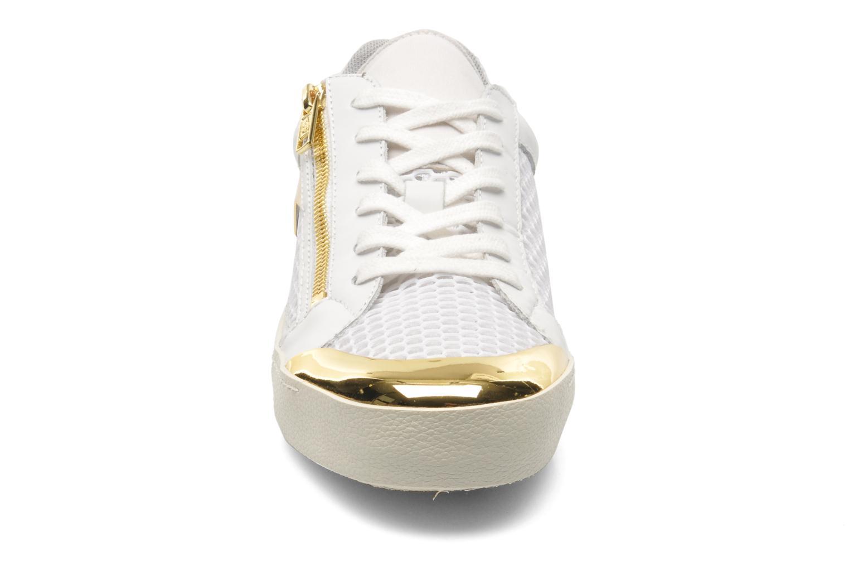 Baskets Ash Shy Blanc vue portées chaussures