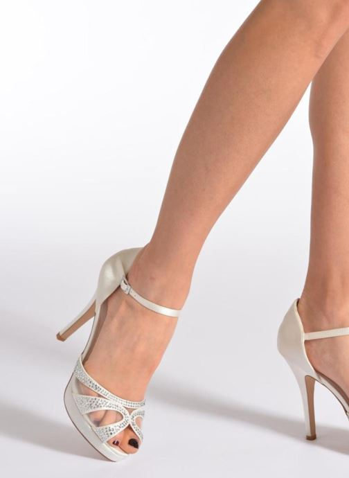 Sandals Menbur Aster White view from underneath / model view