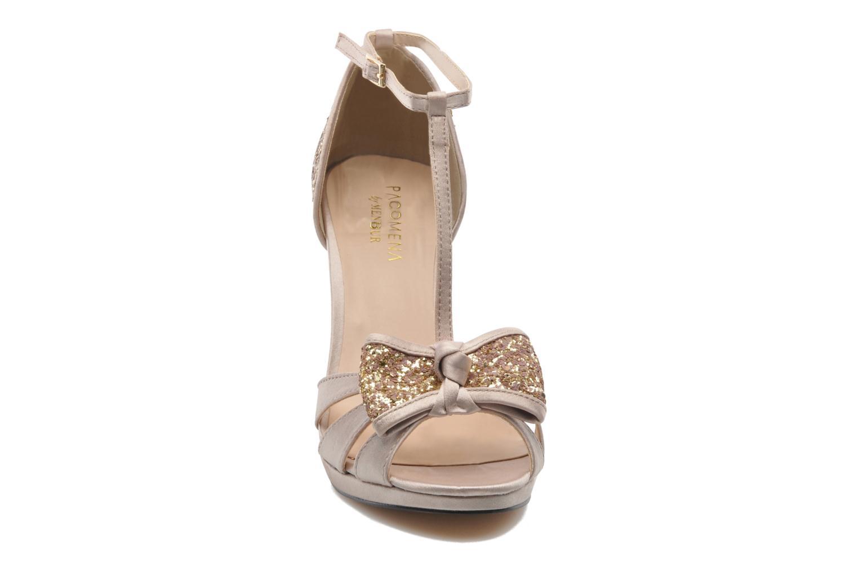 Sandales et nu-pieds Menbur Balsamine Beige vue portées chaussures