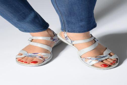 Sandales et nu-pieds Rieker Poppy Gris vue bas / vue portée sac