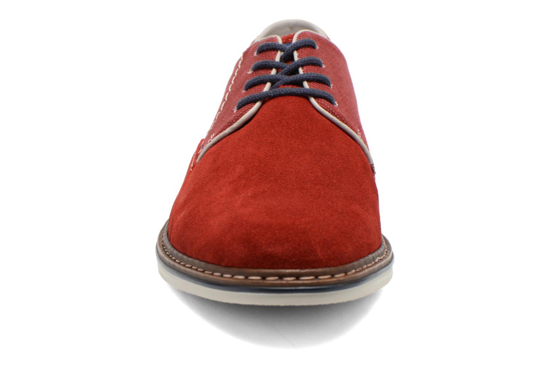Chaussures à lacets Rieker Venel 1402 Rouge vue portées chaussures