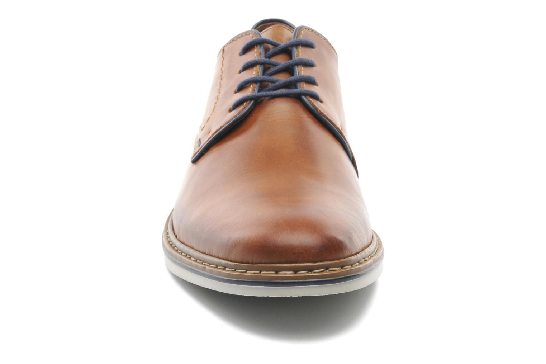 Chaussures à lacets Rieker Brutus 1422 Marron vue portées chaussures
