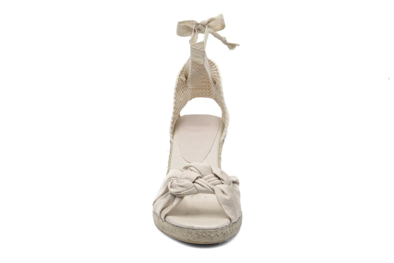 Sandales et nu-pieds Elizabeth Stuart Riam 605 Beige vue portées chaussures