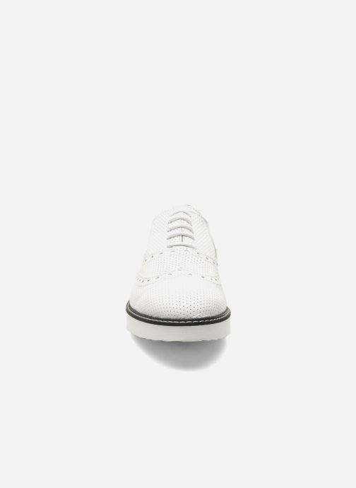 Chaussures à lacets Ippon Vintage Andy perfo Blanc vue portées chaussures
