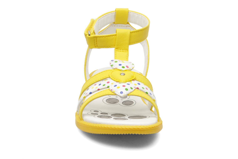 Sandales et nu-pieds Chicco Cristine Jaune vue portées chaussures