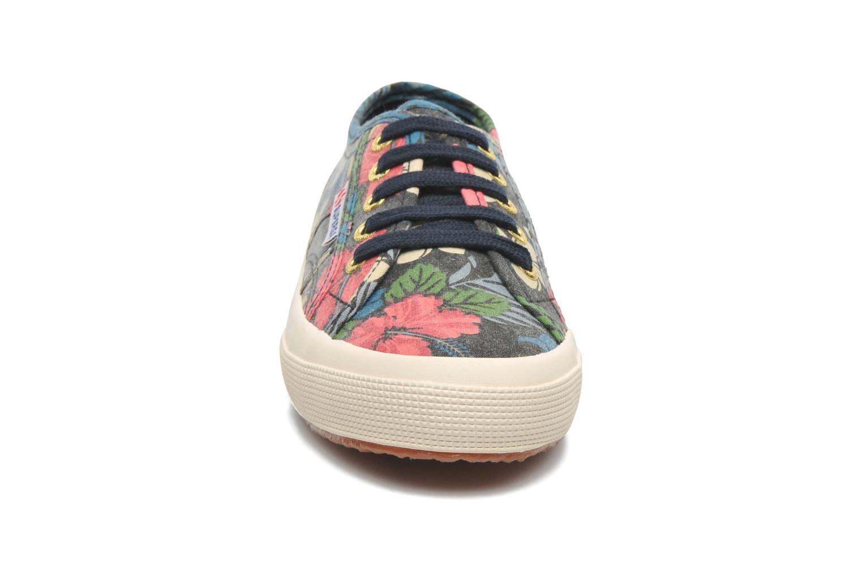 Baskets Superga 2750 Cotu Fabric 27 W Multicolore vue portées chaussures