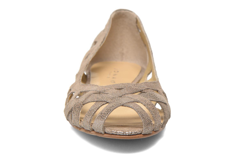 Ballerines Jonak DERAY Beige vue portées chaussures