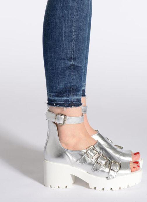 Sandalen Swear Olga 1 weiß ansicht von unten / tasche getragen