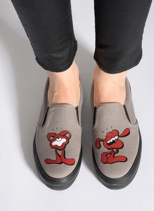 Sneaker YOSH x SWEAR YOSH X SWEAR 2 W grau ansicht von unten / tasche getragen