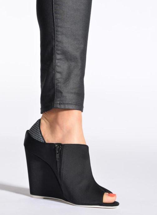 Stiefeletten & Boots Jeffrey Campbell JUBIE schwarz ansicht von unten / tasche getragen