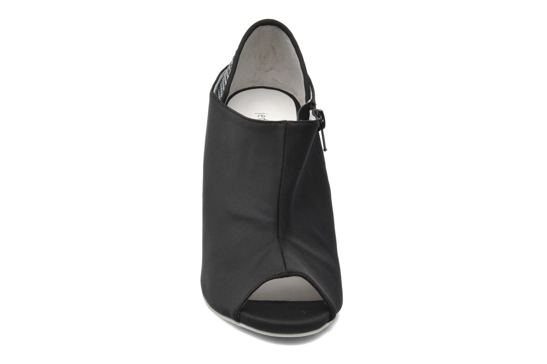Bottines et boots Jeffrey Campbell JUBIE Noir vue portées chaussures