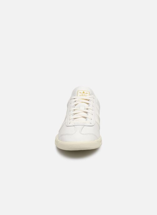 Sneakers adidas originals Hamburg Bianco modello indossato