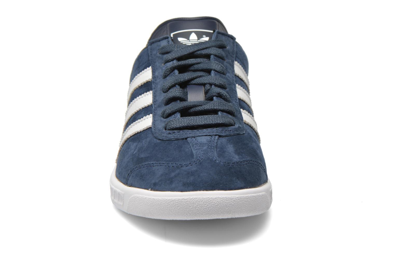 Sneakers Adidas Originals Hamburg Azzurro modello indossato
