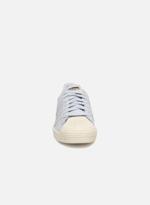 Baskets Adidas Originals Superstar 80S W Bleu vue portées chaussures