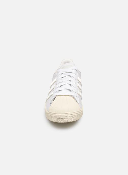 Baskets adidas originals Superstar 80S W Blanc vue portées chaussures
