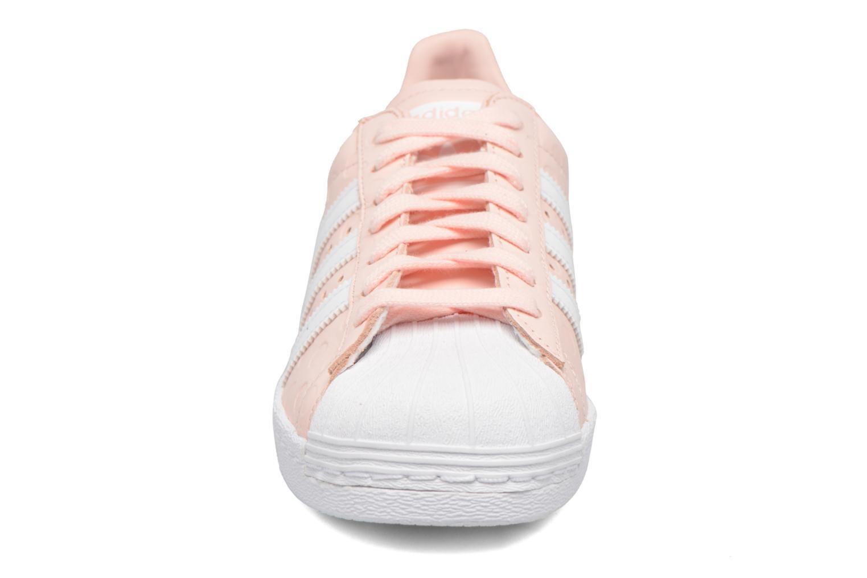 Baskets Adidas Originals Superstar 80S W Rose vue portées chaussures