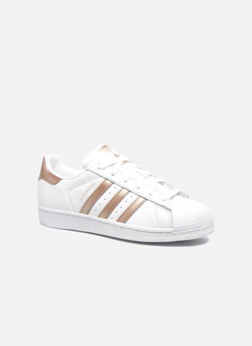 detailed look 57c25 42f3f Baskets adidas originals Superstar W Blanc vue détail paire