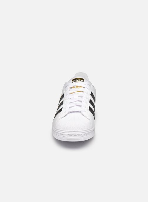 Sneakers adidas originals Superstar W Bianco modello indossato