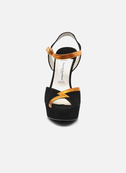 Sandales et nu-pieds Terry de Havilland Izzy Noir vue portées chaussures