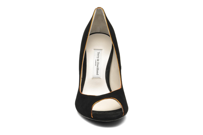 Zapatos de tacón Terry de Havilland Chloe Negro vista del modelo