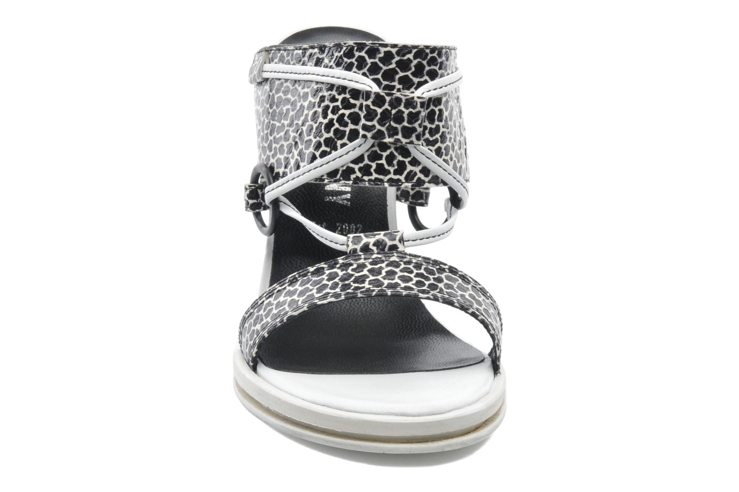 Mules et sabots Opening Ceremony Mae ankle strap wedge Blanc vue portées chaussures